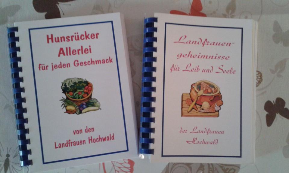 Diese Bücher sind von den Landfrauen erstellt worden.